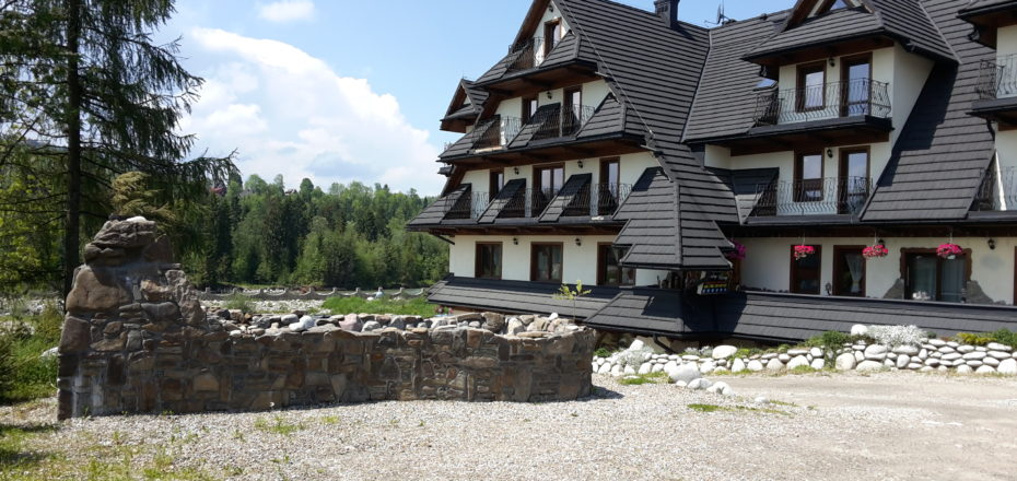 Willa Skalny Brzeg - Czarna Góra - Białe szkoły   Berg-Travel